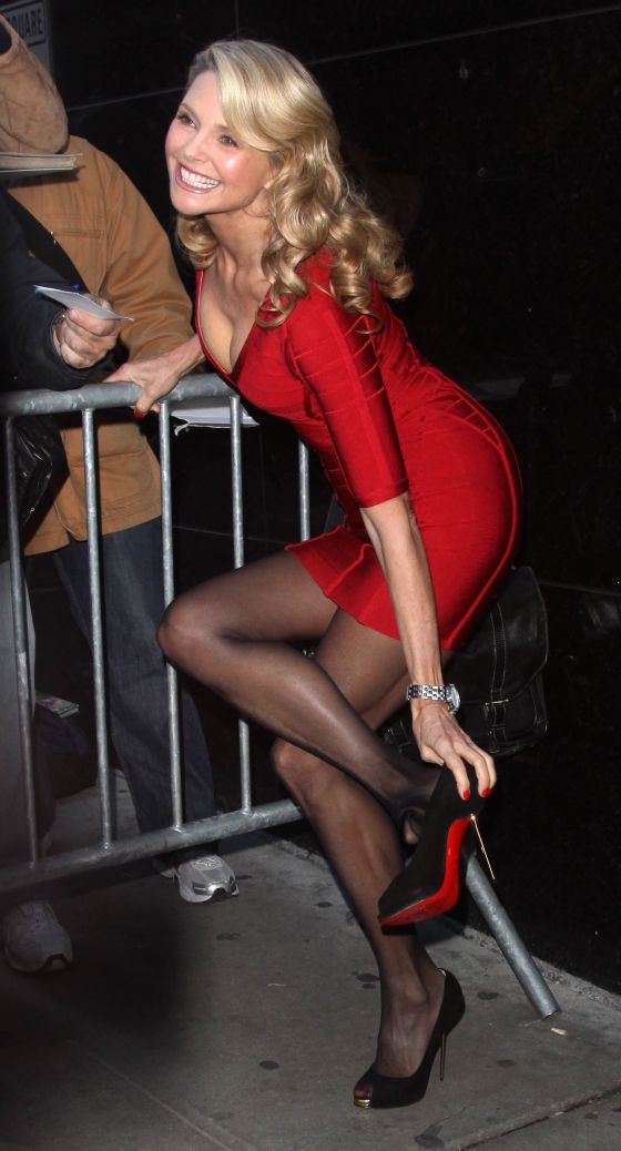 christie-brinkley-herve-leger-red-dress-bandage-dress-good-morning-america-april-2011-0